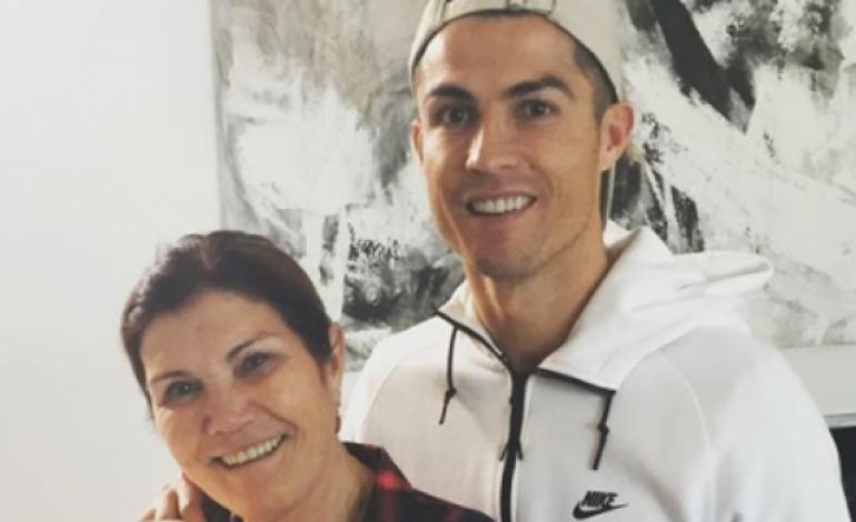Pindah PSG atau Kembali ke Man United, Ini Pilihan Ibunda Cristiano Ronaldo untuk Sang Anak