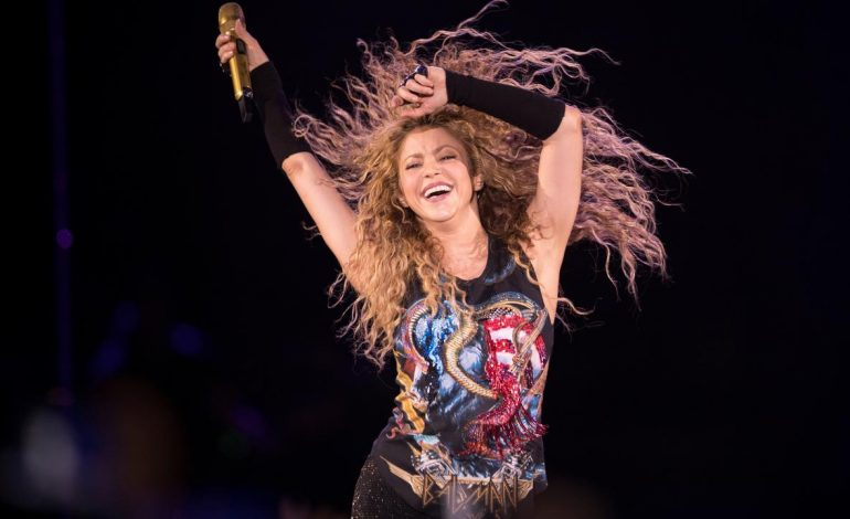 Shakira Lebih Pilih Kolombia daripada Gerard Pique