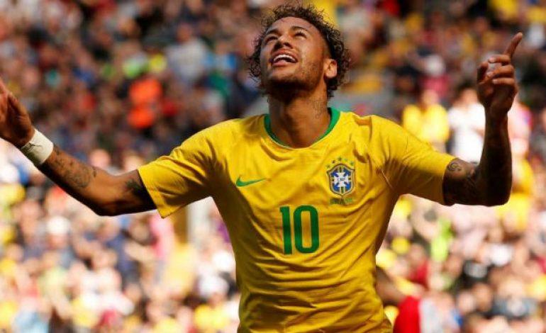 Ingat Zaman Sulit, Neymar Berlinang Air Mata