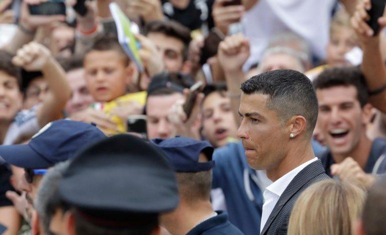 Ronaldo Beri Tip Rp 338 Juta ke Pegawai Hotel