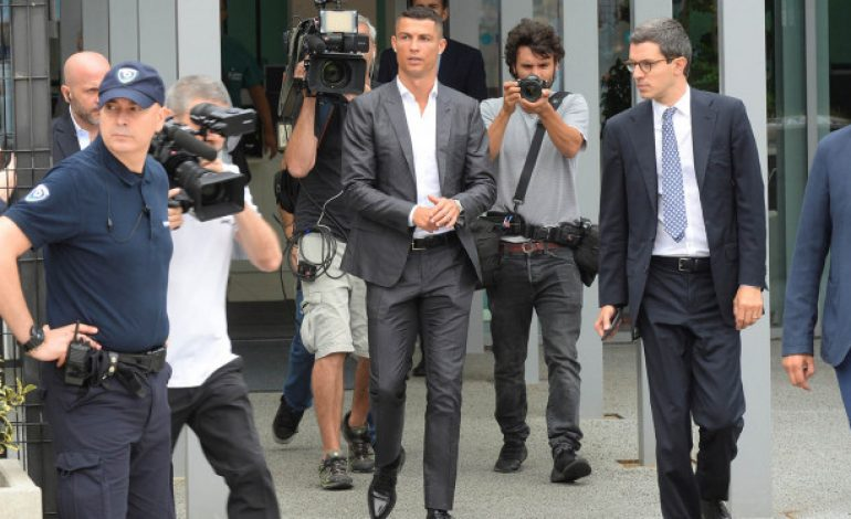 Resmi, Cristiano Ronaldo Divonis 2 Tahun Penjara
