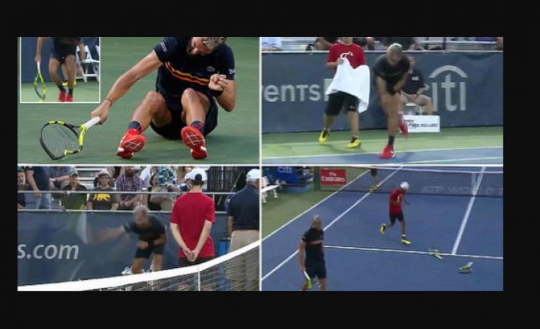 Tiga Raket Tenis Mahal Jadi Korban saat Petenis asal Prancis Mengamuk pada Ajang Citi Open 2018 di Amerika Serikat