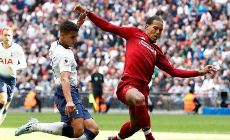 Ternyata, Bek Liverpool Ditakuti Lawan karena Rambutnya Bau