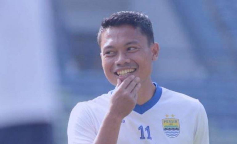 Buat Fans Persib, Coba Lihat Hobi Unik Dedi 'Dado' Kusnandar Ini