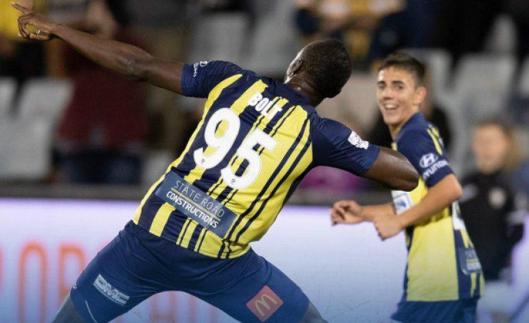 Torehan 2 Gol Jadi Debut Apik Usain Bolt di Sepakbola Profesional