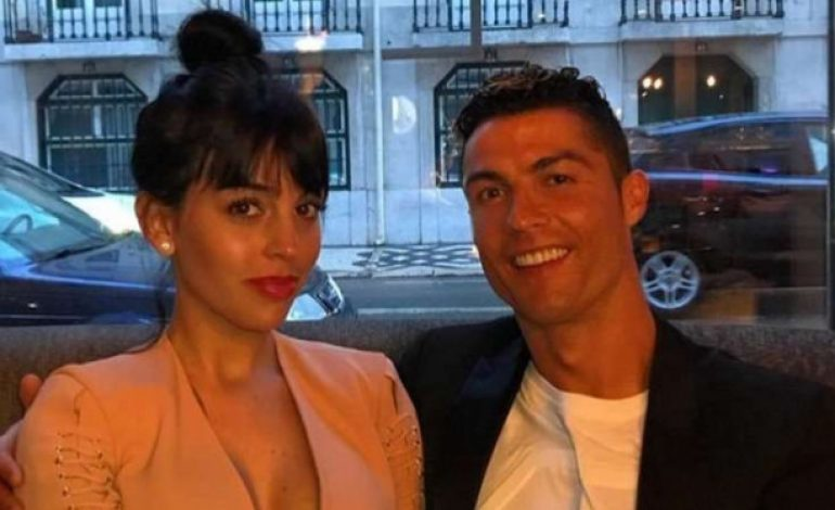 Diterpa Isu Perkosaan, Ronaldo Tetap Mesra dengan Sang Kekasih