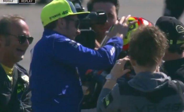 Saking Kesalnya, Valentino Rossi Sampai Mau Kasih Tape Recorder di Garasi Yamaha