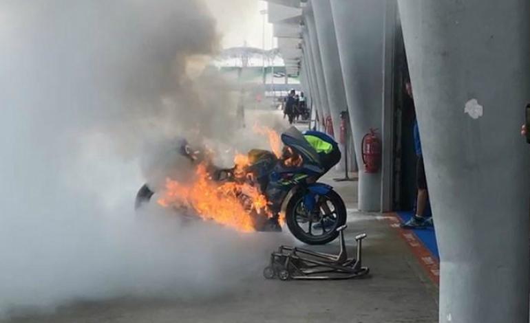 Ngeri! MotoGP Malaysia Belum Mulai, Motor Alex Rins Terbakar di Sepang