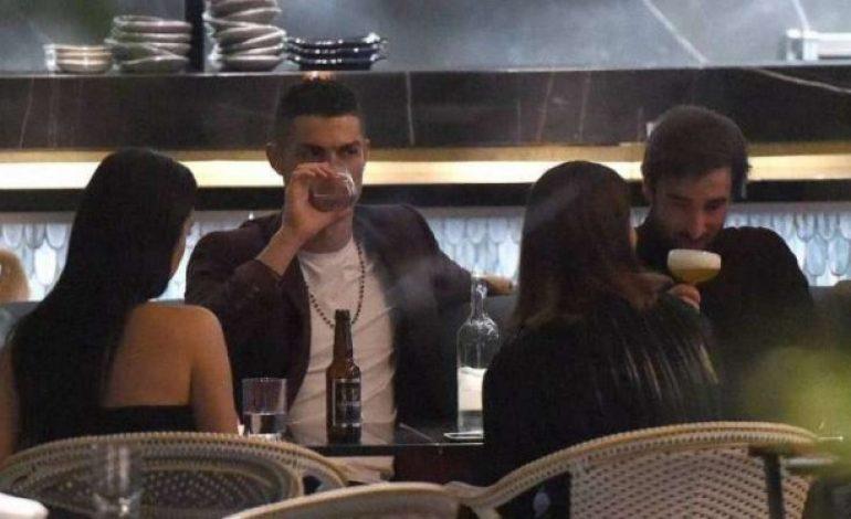 Ronaldo Habiskan Uang Setengah Miliar Hanya untuk Minum 2 Botol Anggur