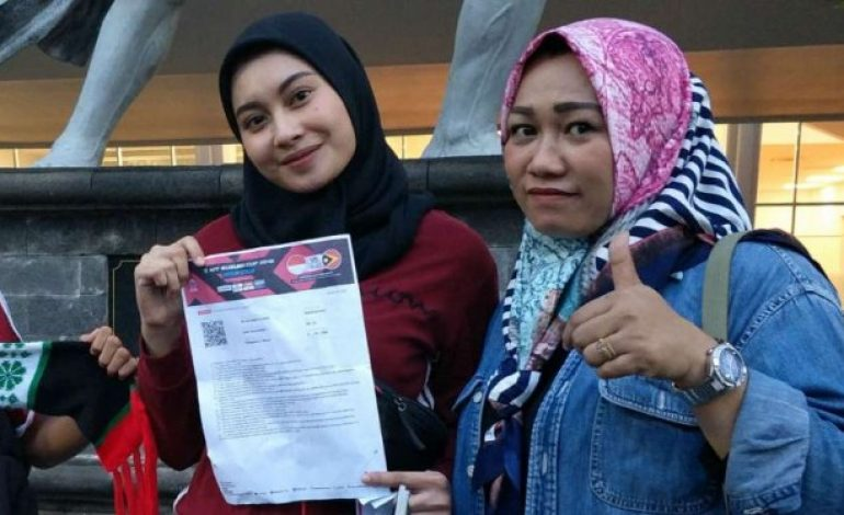 Antusiasme Suporter Cantik Dukung Penuh Timnas Indonesia