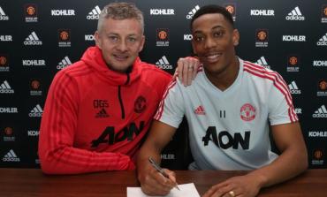 Martial Tanda Tangani Kontrak Baru di United