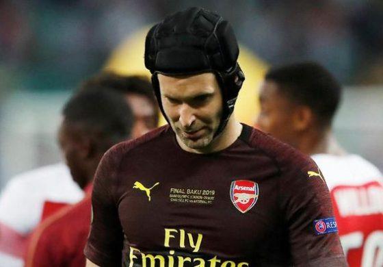 Tak Ada Trofi di Penghujung Karier Cech