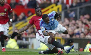 Raheem Sterling Tak Berkutik Hadapi Wan-Bissaka, Guardiola Diminta Cari Solusi
