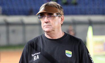 Ini Kata Pelatih Persib Bandung Jelang New Normal