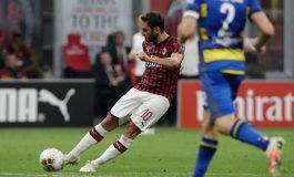 AC Milan Pertahankan Stefano Pioli, Hakan Calhanoglu Ikut Hepi