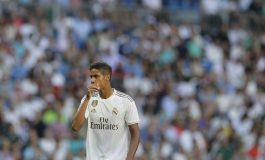 Real Madrid Lagi-Lagi Diuntungkan VAR, Raphael Varane Abaikan Protes dari Luar