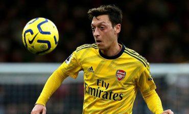 Mesut Ozil Lagi-Lagi Tolak Tawaran Klub Lain, Ngotot di Arsenal Meski Tak Bermain