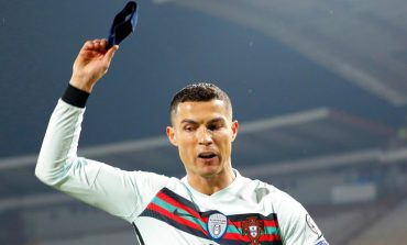 Ngamuk dan Banting Ban Kapten, Ronaldo Dikritik