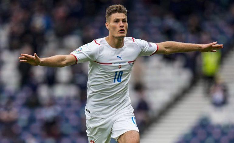 Gol Spektakuler Patrik Schick ke Gawang Skotlandia Pecahkan Rekor Euro