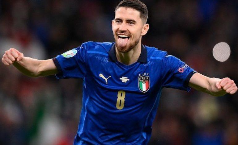 Italia vs Spanyol Jadi Panggung Aksi Masterclass Jorginho, Layak Raih Ballon d'Or?