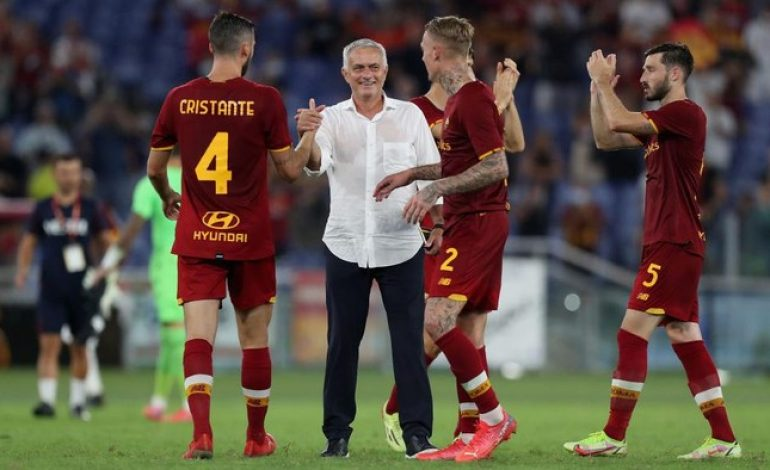 Mourinho Cuma Mau Bikin Roma Bahagia, Tak Pikirkan Rekor Allegri
