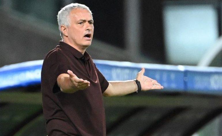 AS Roma Takluk dari Lazio, Mourinho Salahkan Wasit dan VAR