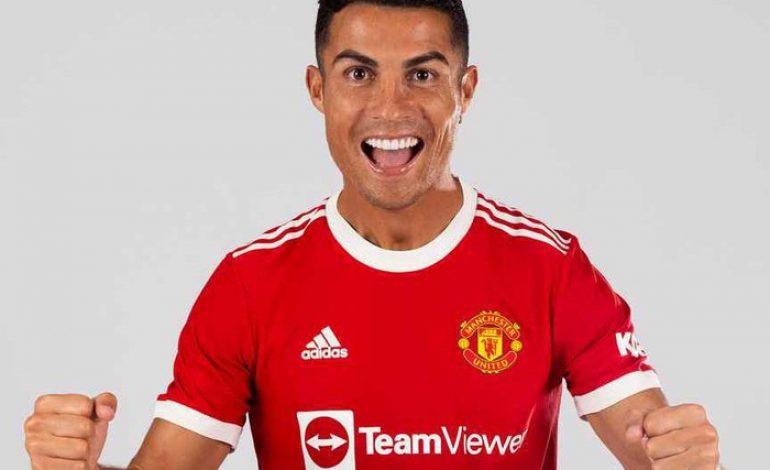 Jersey MU Cristiano Ronaldo Pecahkan Tiga Rekor